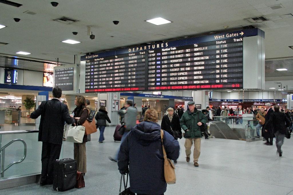 Внутренняя навигация на Пенсильванском Вокзале в Нью-Йорке